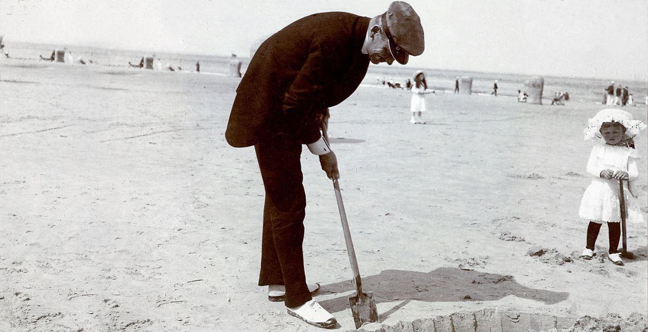 Count Alexander von Faber-Castell at the beach